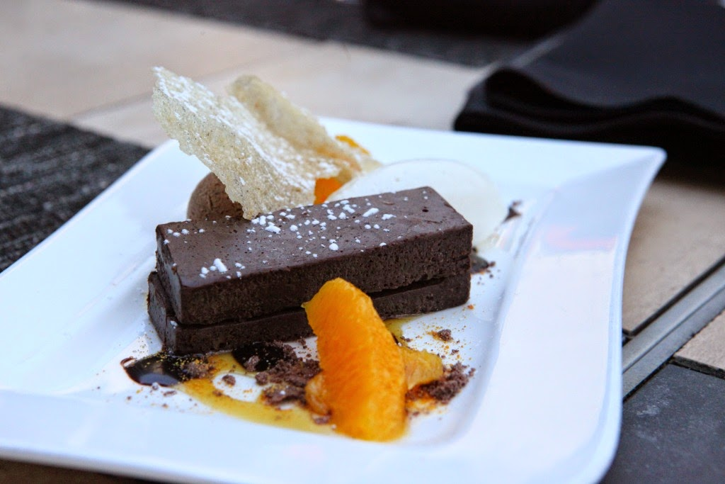BLACK Bar & Kitchen Tanvii.com