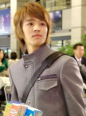 http://2.bp.blogspot.com/-ipL17dSquvo/Uh1wP5Zh3II/AAAAAAAA2ZI/tFz1_gfdQOI/s1600/kimjeonghoon050026tv4.jpg
