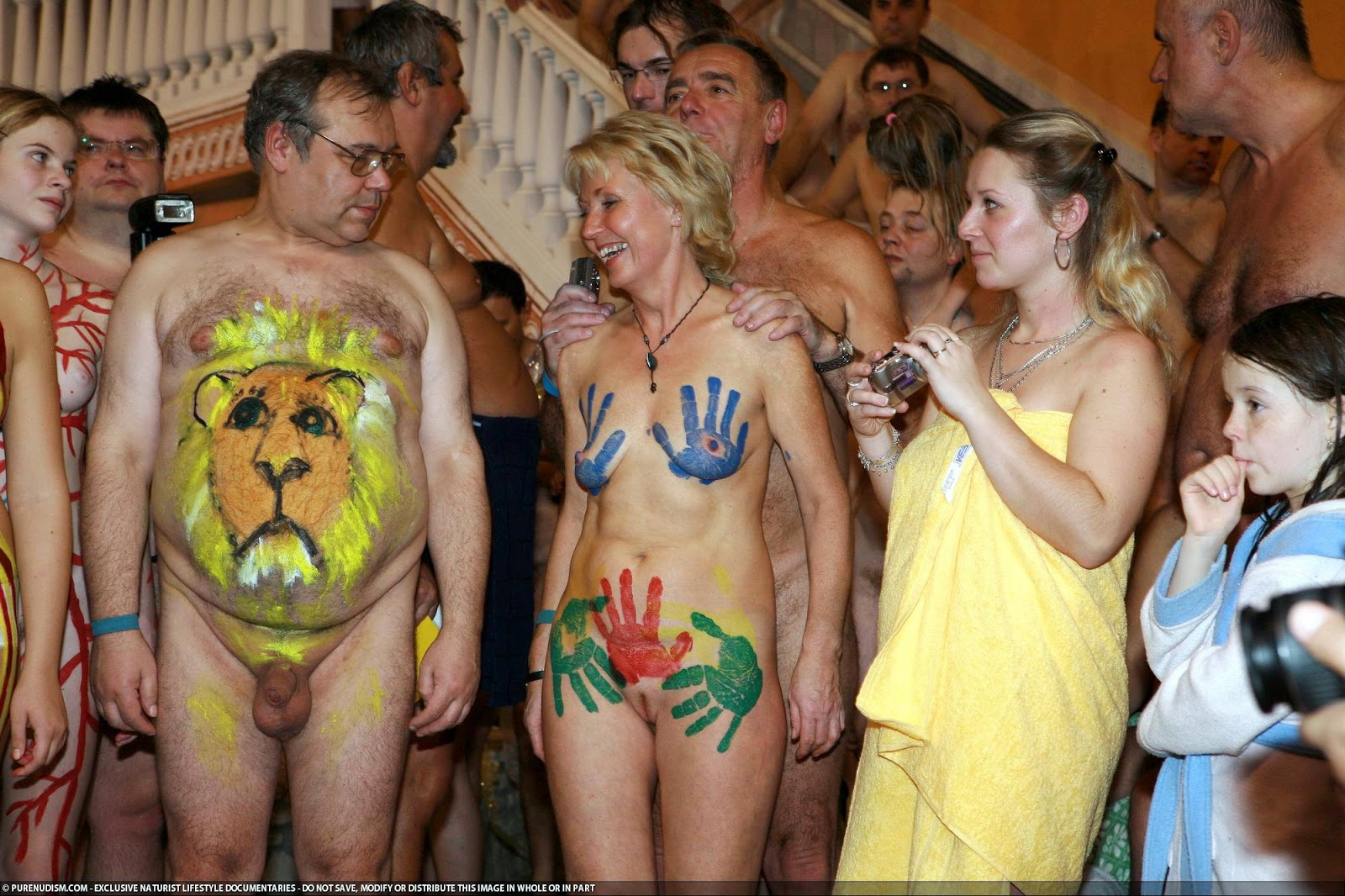 Nudism - Photo - HQ : Family Nudism POOL!