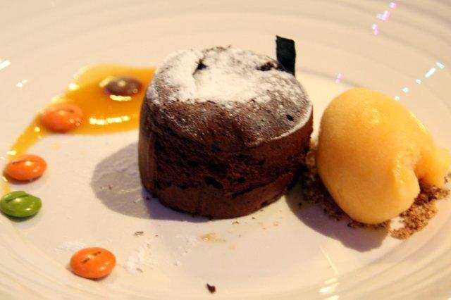 Moelleux Bizcocho de chocolate en el restaurante AgU Alejandro Garcia Urrutia en Gijon