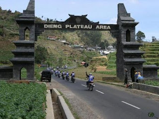 Dieng Highland Gate - Indonesian Mountain