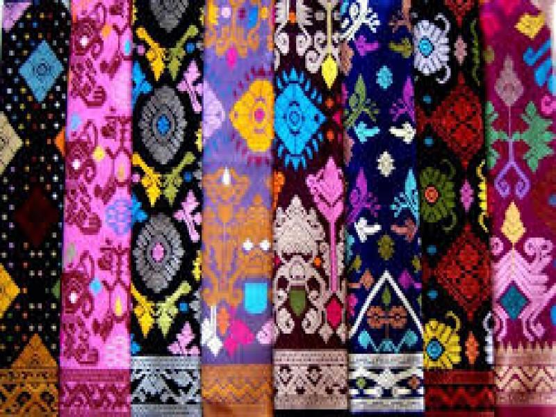 12 Aneka Jenis Kain Tradisional Asli Indonesia  BacaDataCom