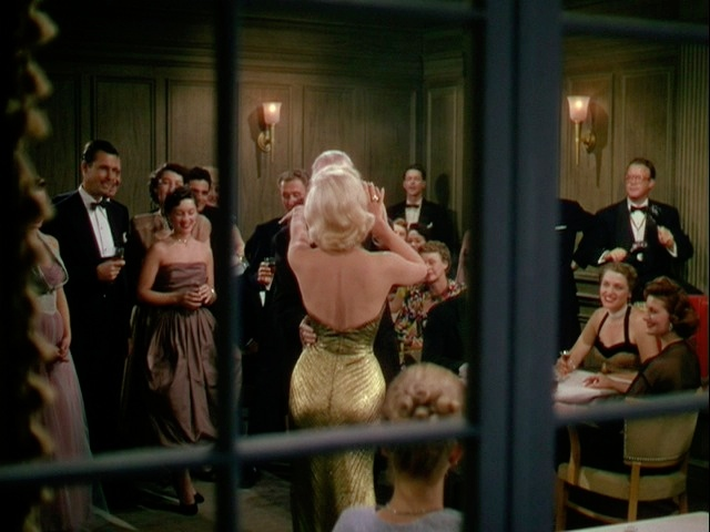 Style Essentials--Stardom Strikes Marilyn Monroe as GENTLEMEN PREFER ...