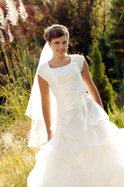 Used Modest Wedding Dresses For  : Modest wedding dresses an overview
