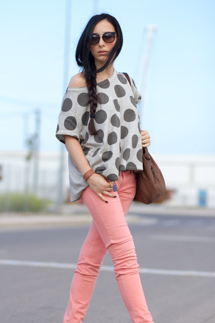 Dots tee and salmon jeans  Meltin' Pot