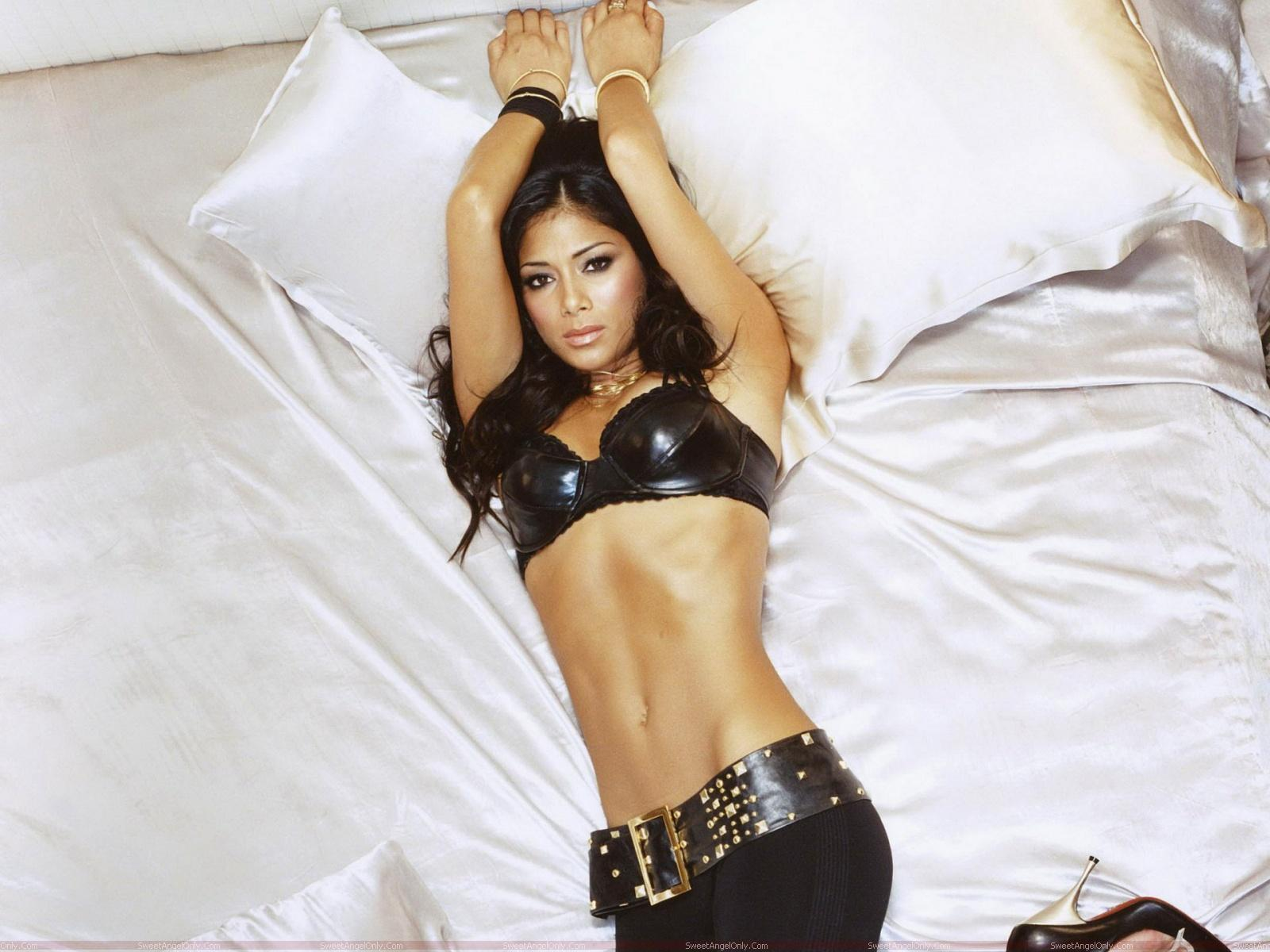 High Resolution Wallpaper: Nicole Scherzinger Wallpapers
