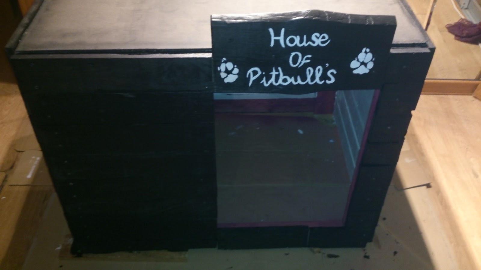 Caseta doble para perros hecha con - Hacer caseta de madera ...