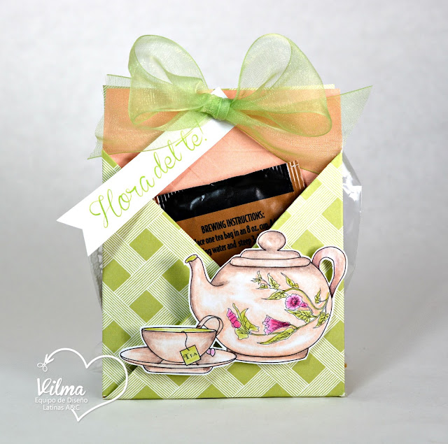 http://paperwithlife.blogspot.com/2015/08/tea-cookie-holder-tuto-41-con-la.html