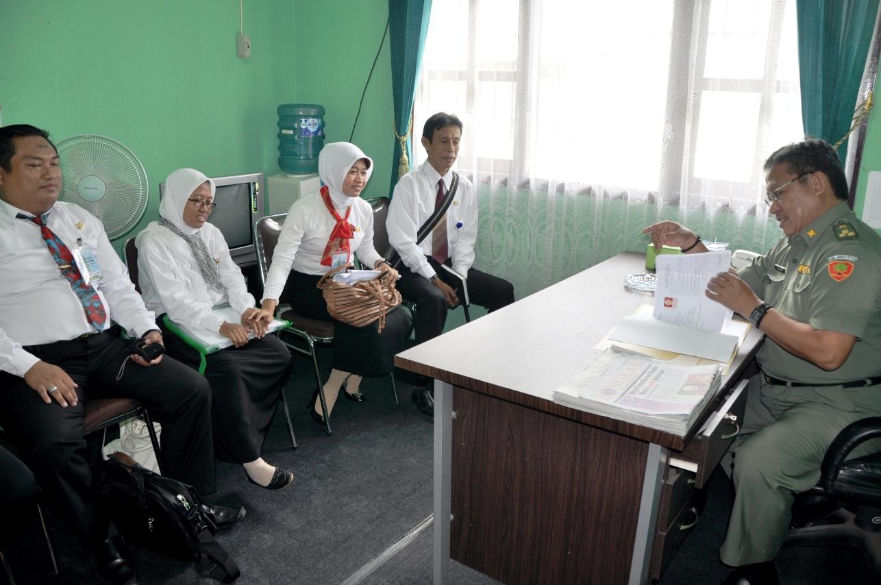 Contoh Dialog Interaktif Yang Bertema Kemajuan Pendidikan