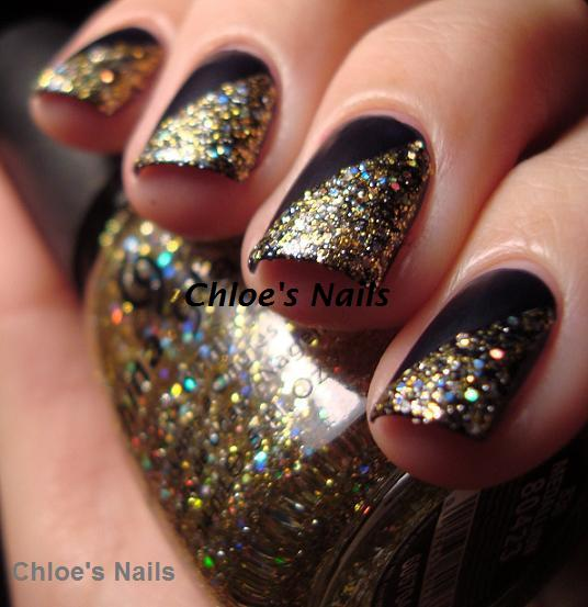 Chloe\'s Nails: Gold & Navy.............
