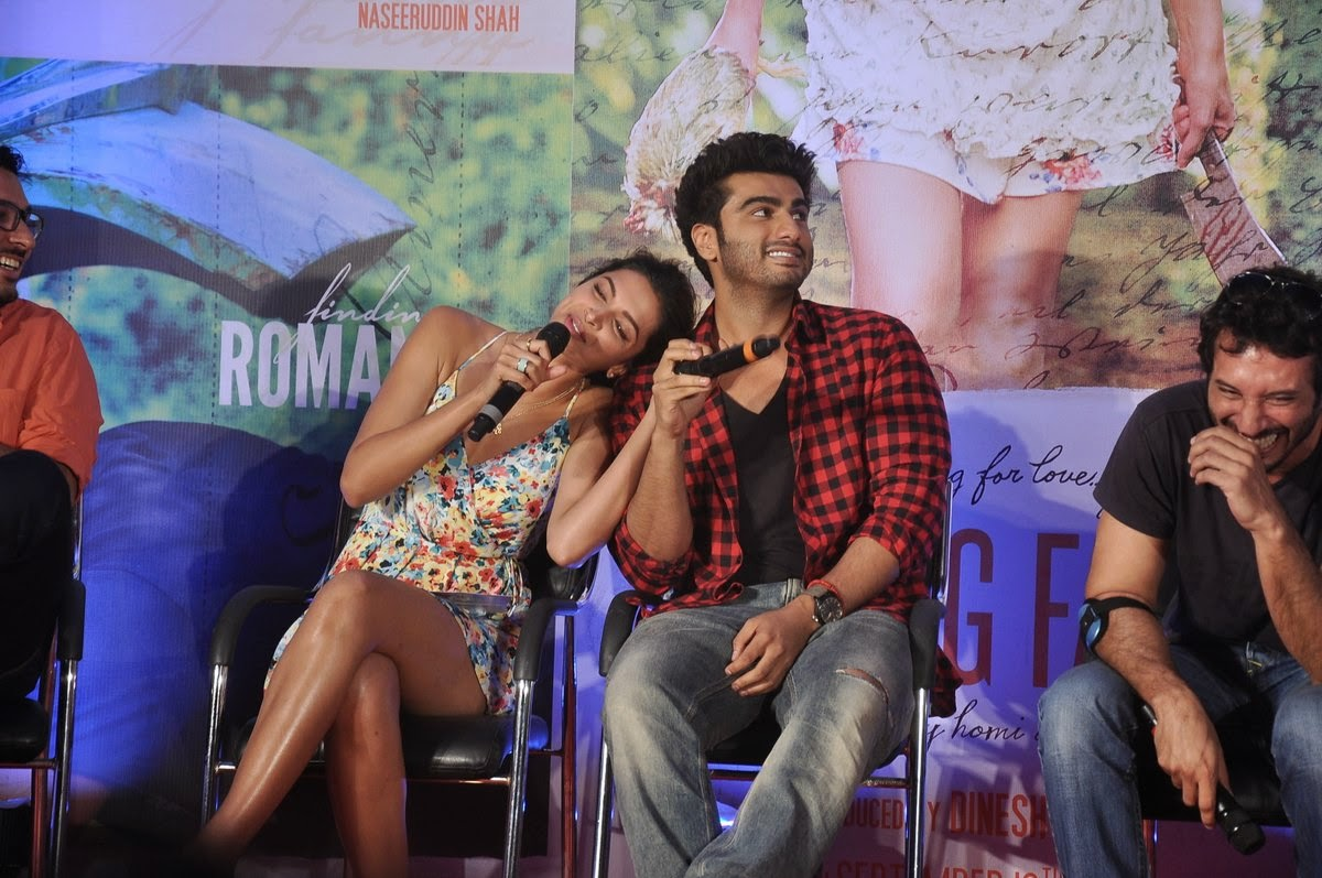 Finding Fanny Movie Romantic Wallpaper - Deepika Padukone Hot Erotic HD Wallpapers
