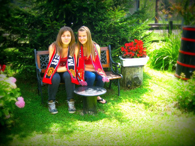 Mirjana and Suzana from Serbia