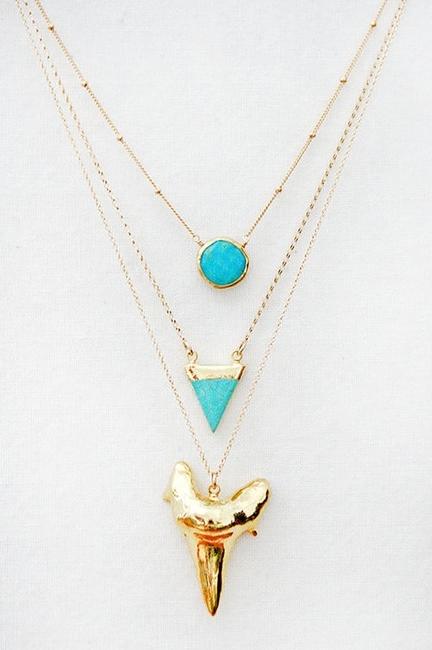 dent de requin,bijoux,or,turquoises,shark tooth,aurélie bidermann