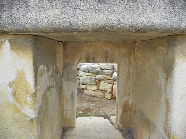 Pasadizos que conectan los Templos de Tarxien Malta