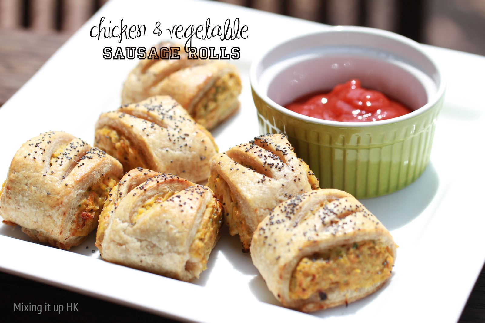 ... it up in HK: Chicken & vegetable sausage rolls with spelt pastry