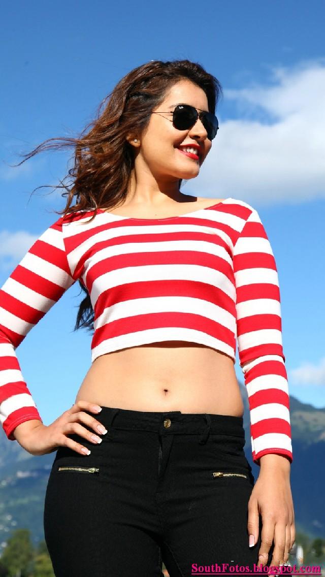 Rashi Khanna Latest Sexy Pics