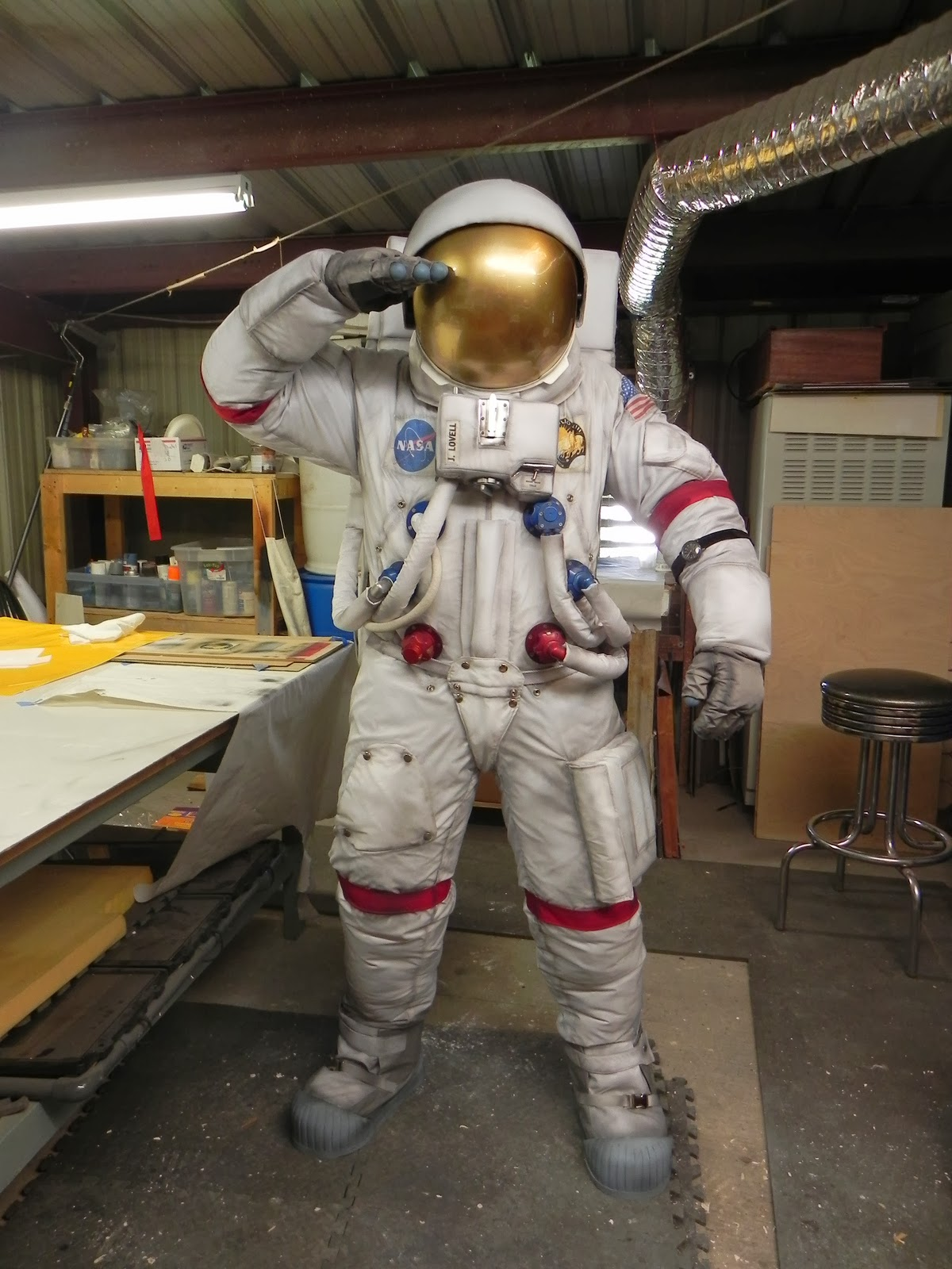 make your own astronaut helmet costume - photo #39