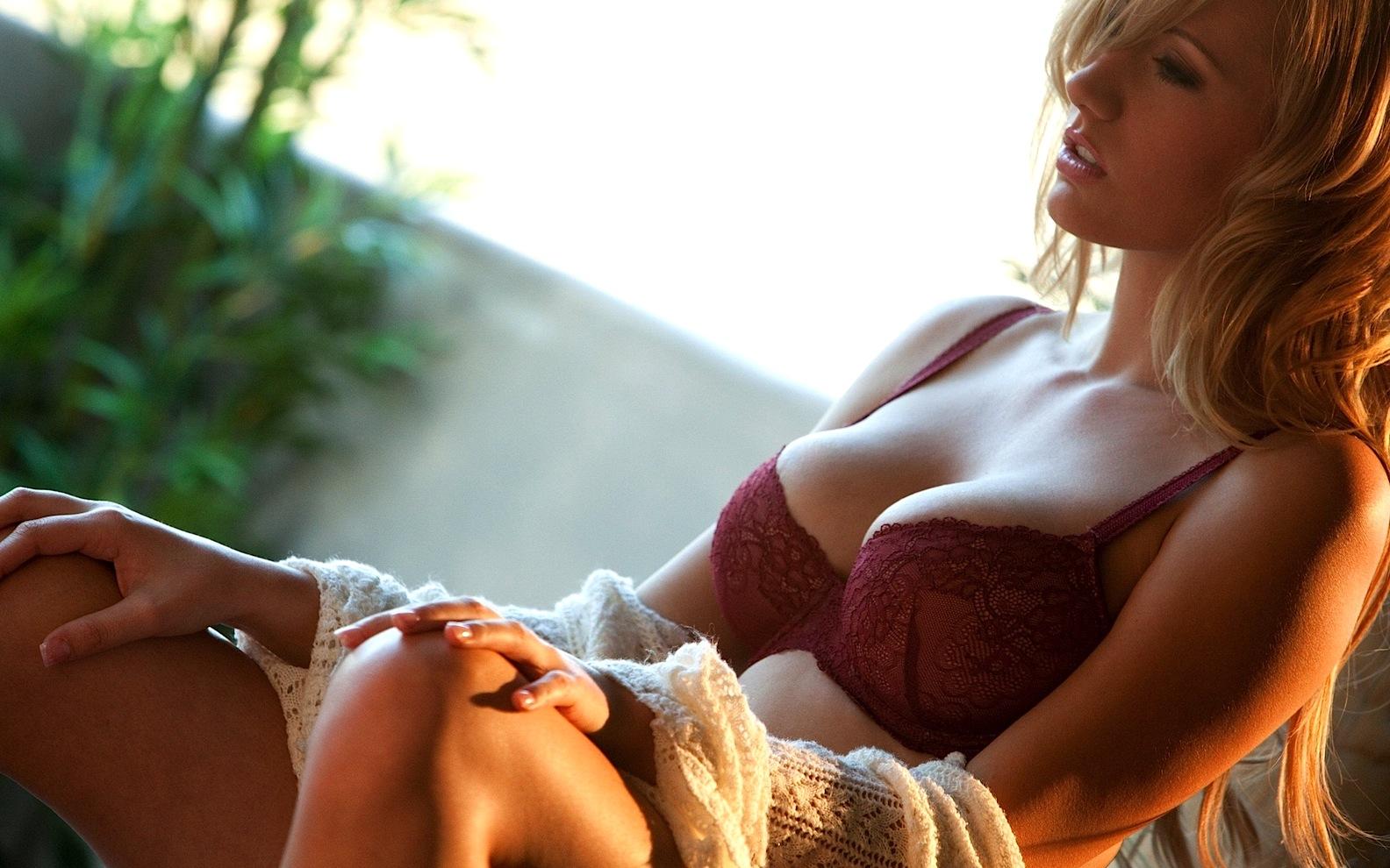 Boob girl hot image