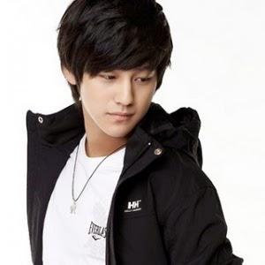 Modela Rambut Pria Korea Style Pendek Terkeren Terbaru Terbaik