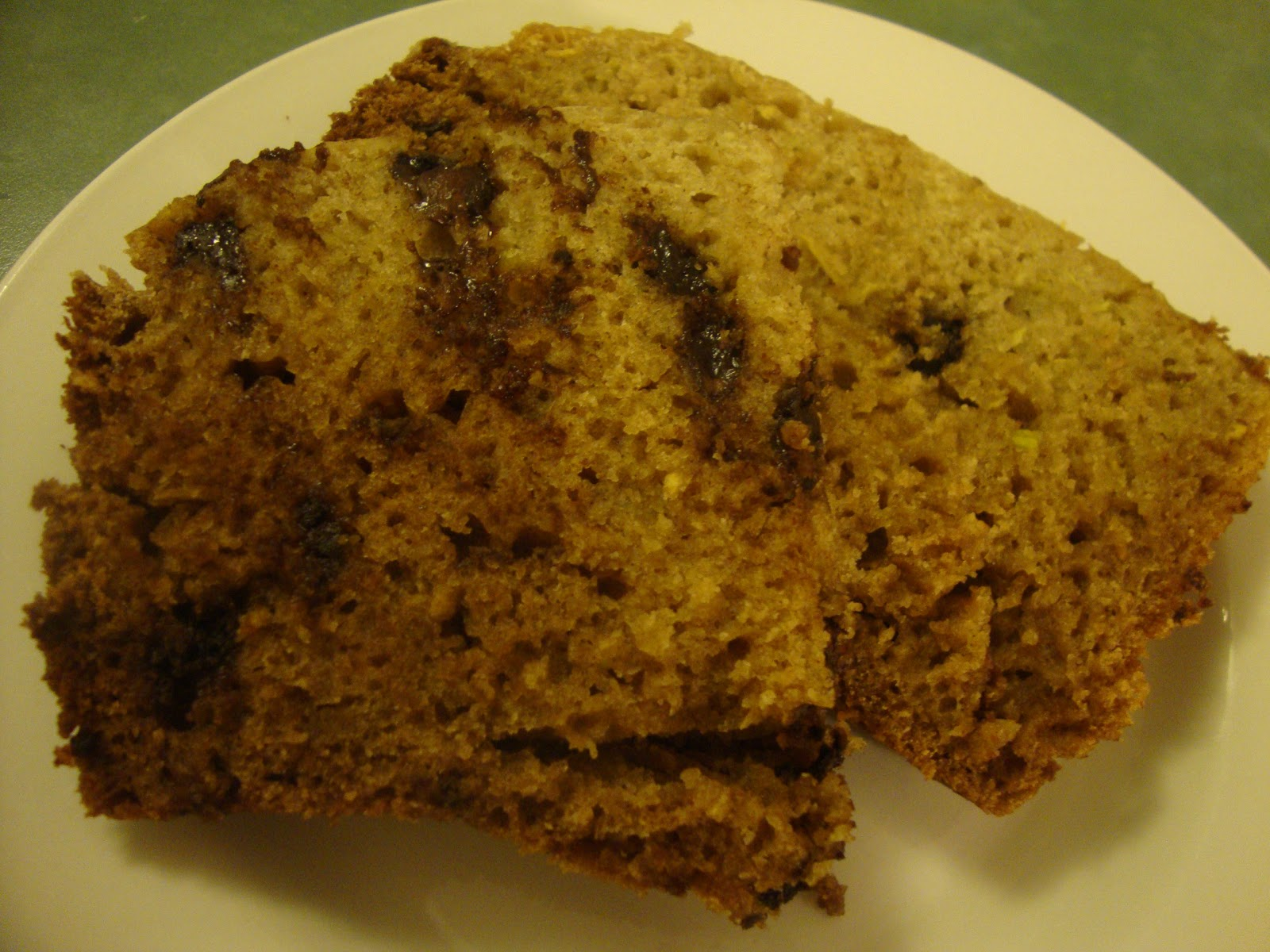 A Busy Mom's Slow Cooker Adventures: Chocolate Chip Zucchini Bread