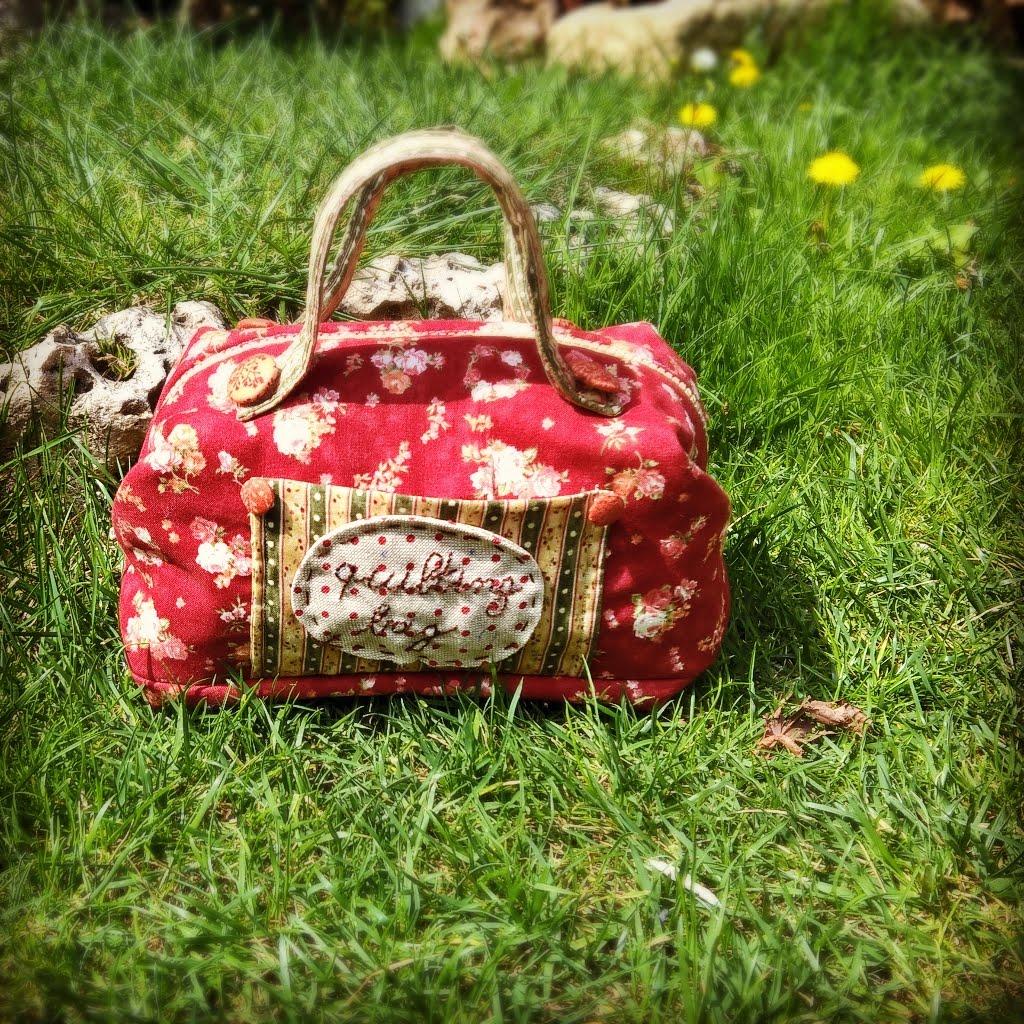 una borsetta portacucito