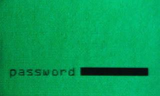CIUDAD DE MÉXICO (Notimex) — Microsoft informó este miércoles que el virus informático Conficker fue detectado casi 220 millones de veces en los últimos dos años y medio, lo que lo convierte en una de las más graves amenazas para usuarios y empresas. Al dar a conocer su «Reporte de inteligencia de seguridad», la empresa de software advierte que el gusano se sigue propagando en todo el mundo, como resultado de contraseñas fáciles y de vulnerabilidades. Al analizar la presencia de Conficker en las empresas, el estudio mostró que 92% de las infecciones de equipos obedeció a contraseñas fáciles o