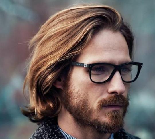 Style rambut panjang pria yang lagi ngetrend