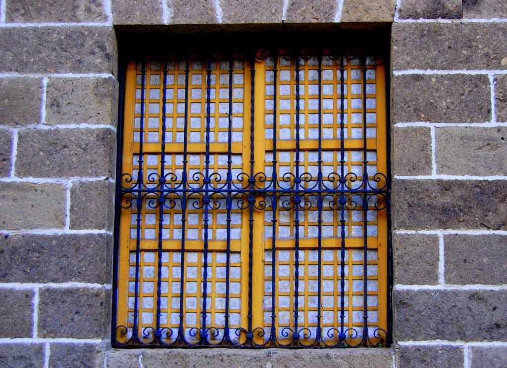 Window colors and grays for Capiz window