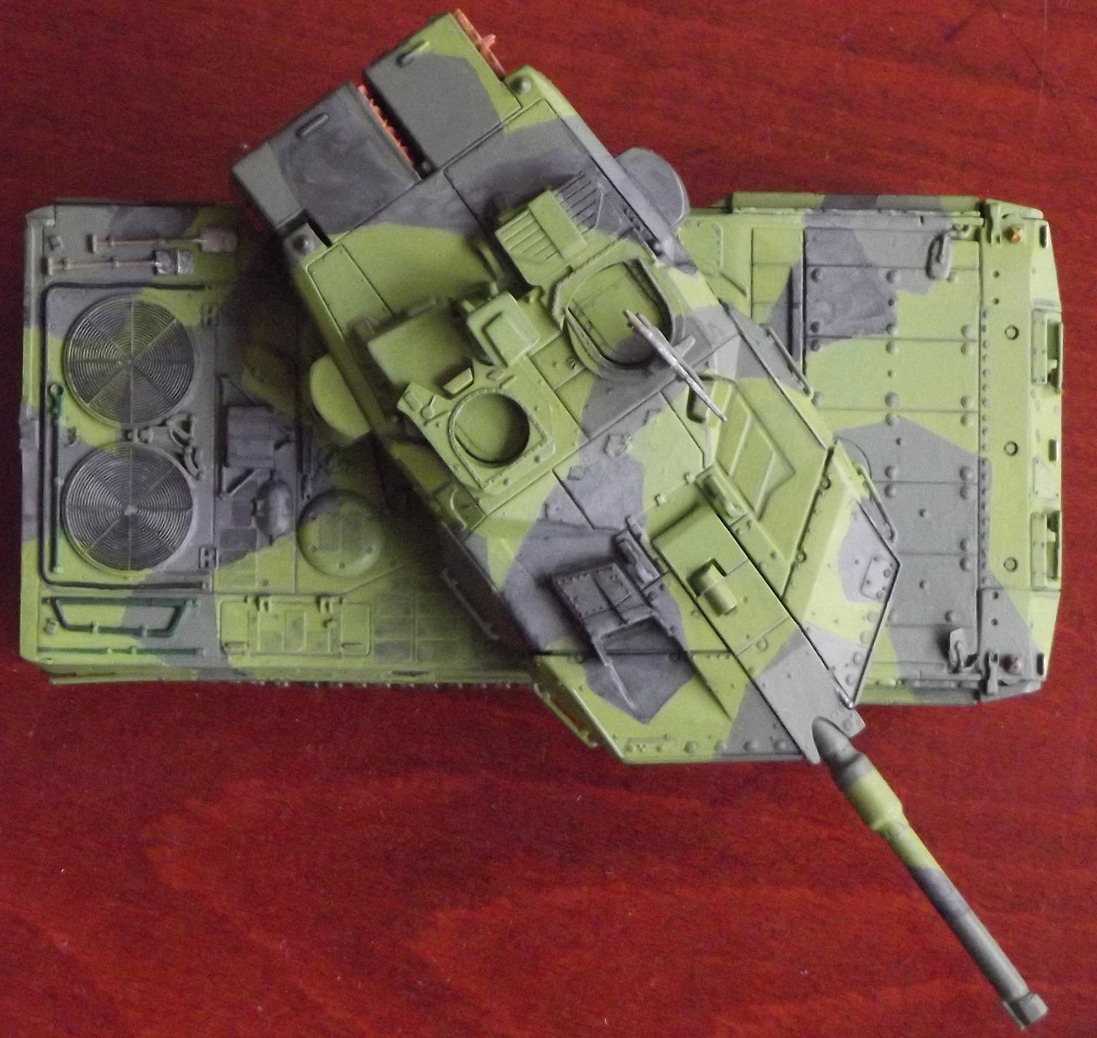 The biggest differences between the regular and swedish leopard ii
