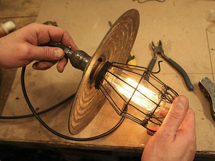 decoracion con lamparas vintage - recuperando antigua lampara de jaula