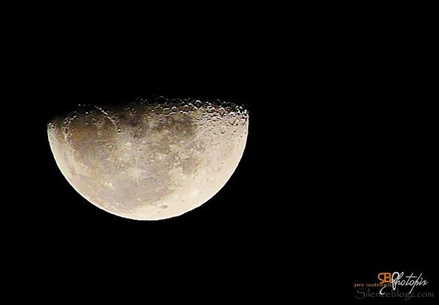 Gambar Bulan yang di ambil dari atas Kapal Superstar Libra
