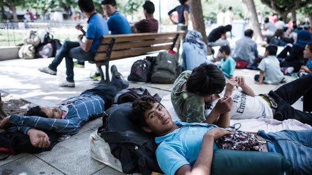 Φορτώνουν με λαθρομετανάστες την Ελλάδα, ξοδεύοντας χρήματα του Ελληνικού Λαού!