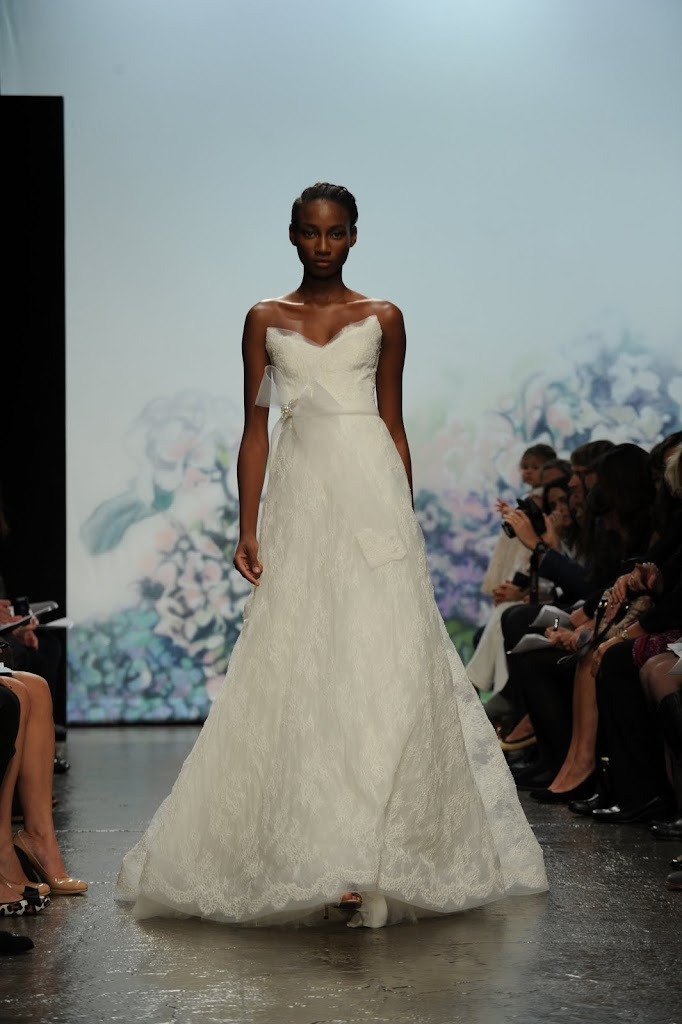Monique_Lhuillier_Wedding_Dress