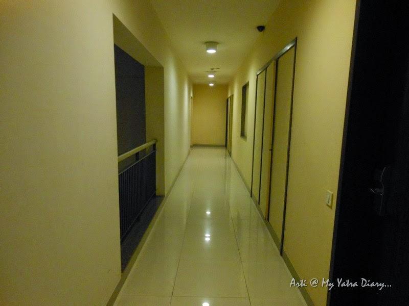 The verandah in Hotel Smart Inn budget hotel in Pune - Family Suite for 4