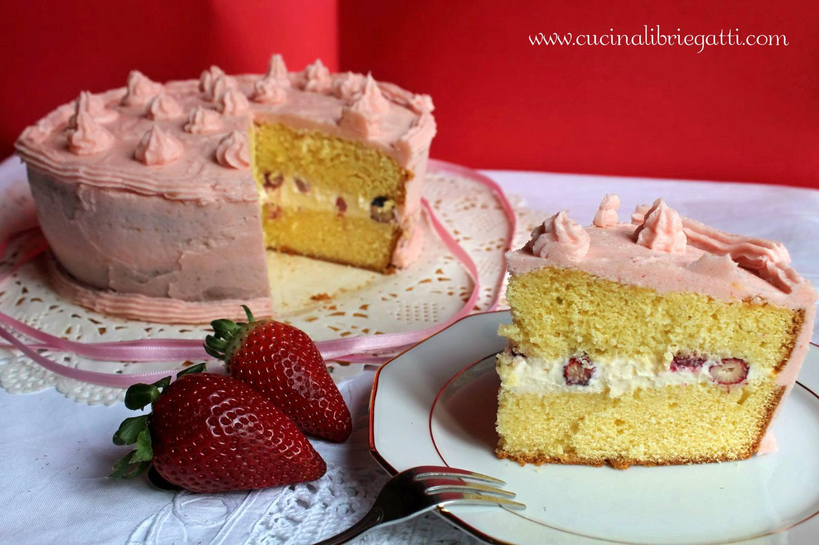 Ricetta torta con crema chantilly e fragoline