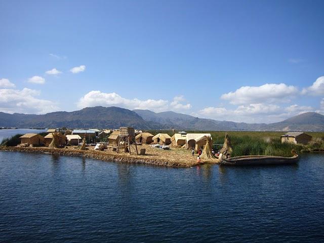 pulau terapung, pulau, orang kerdil, suku kerdil, desa terapung, titicaca