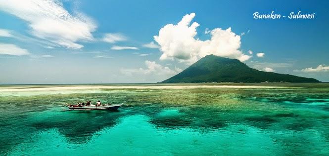 Pemandangan indah Pantai Bunaken