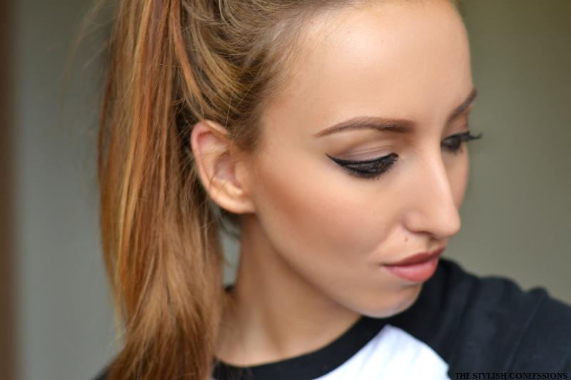 Angelina Jolie cat eye makeup eyeliner