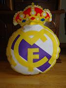 COJIN ESCUDO GIGANTE REAL MADRID. Hace poco hice un escudo gigante del Barça . (dsc )