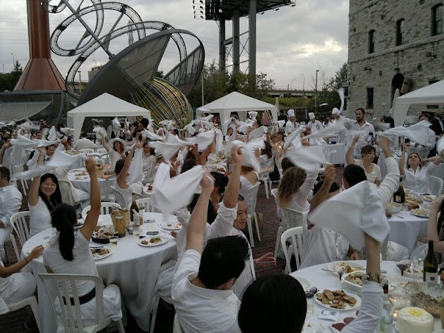 Diner en Blanc in the Distillery