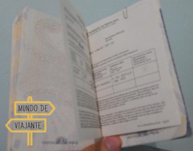Certificado Internacional de Vacinação anexado ao passaporte