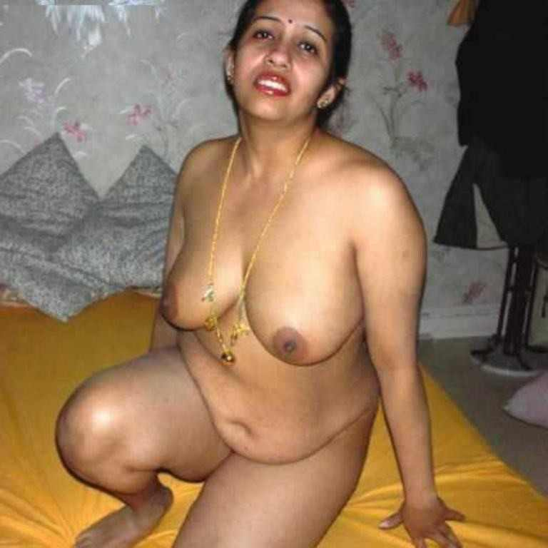Nude images of aunties