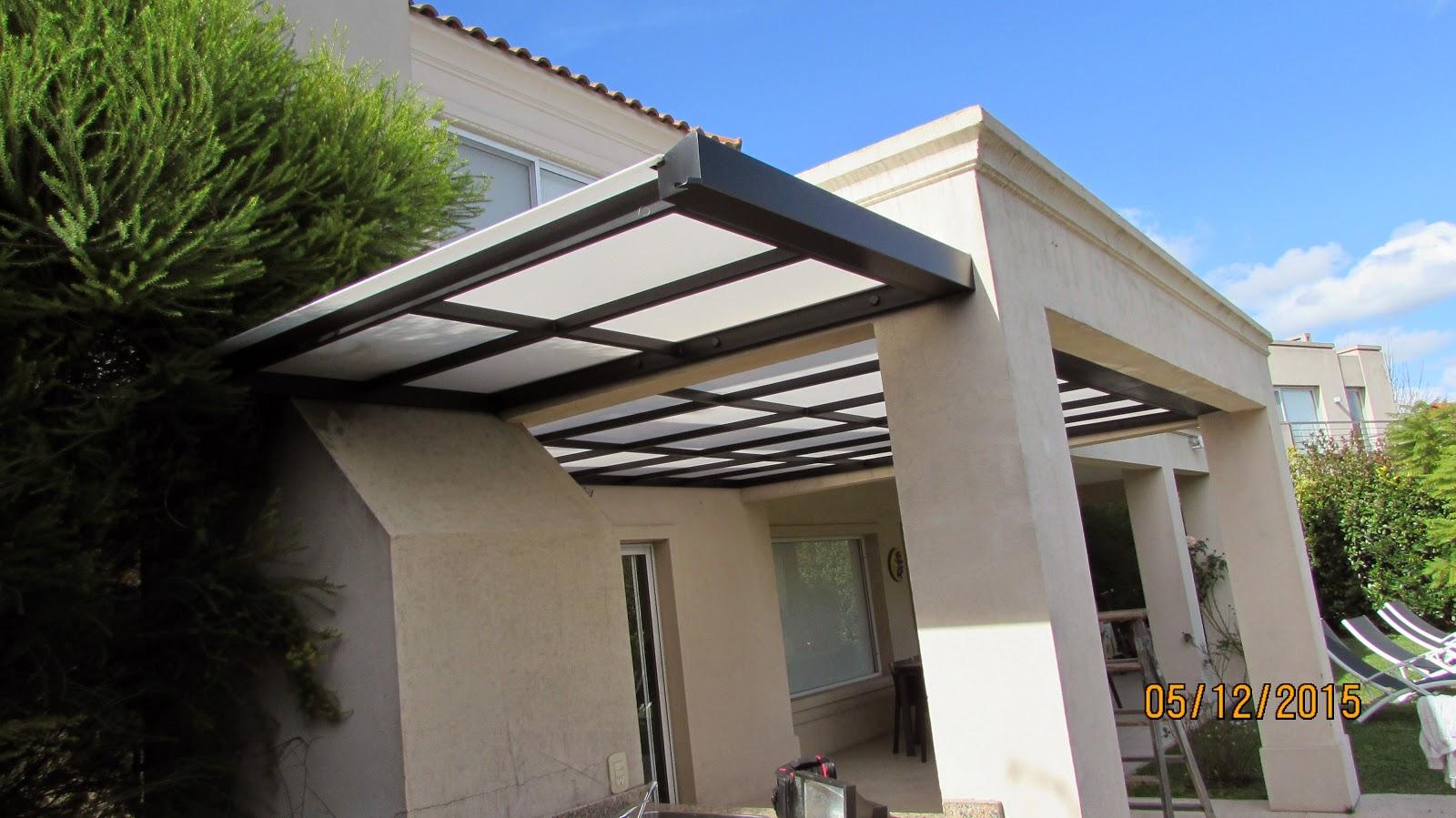 Techo de policarbonato pergolas aleros mayo 2015 for Garajes con techos policarbonato