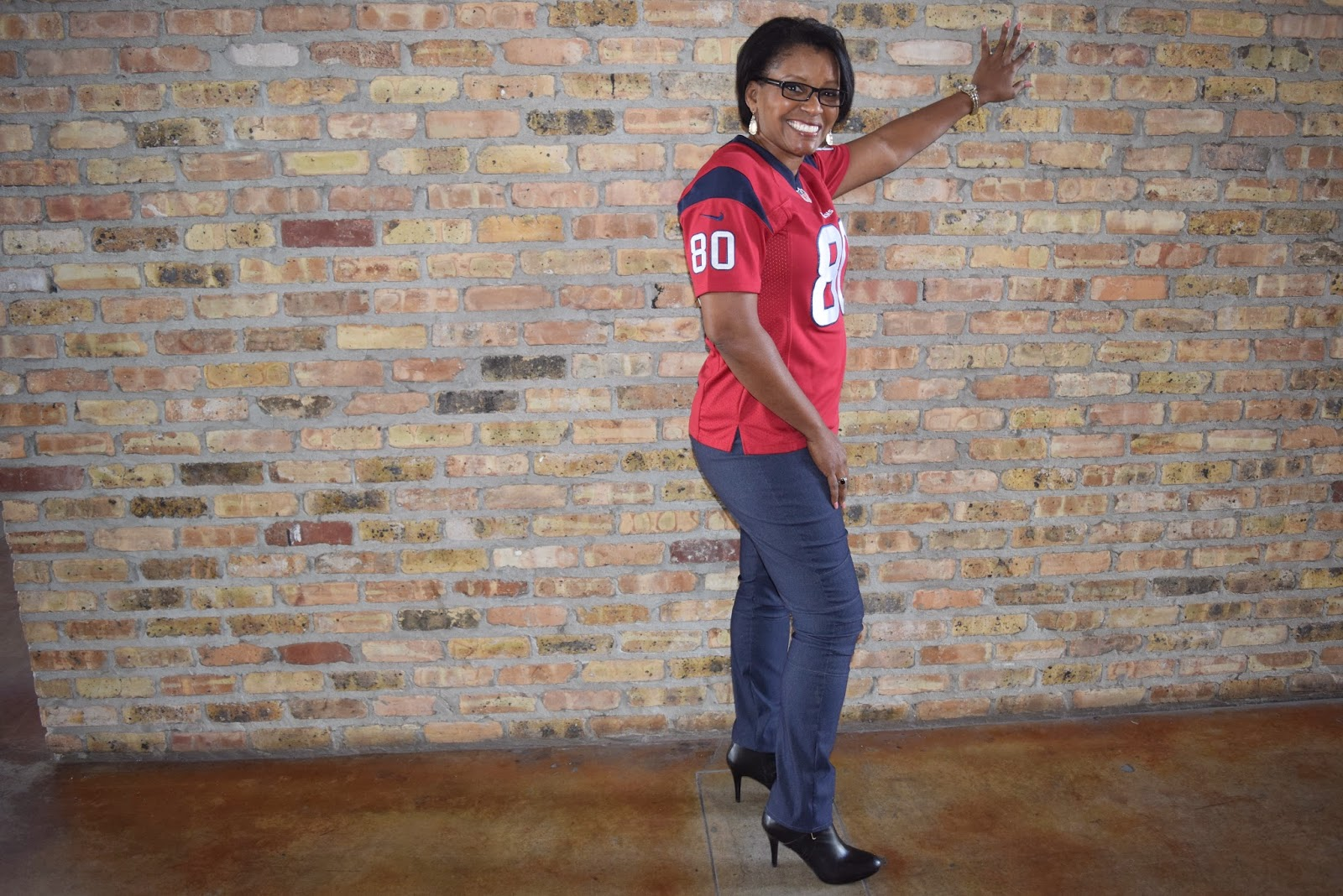 Texans Fan wearing StyleArc cassie pants by www.sewtofit.com using bengaline fabric from Hancock