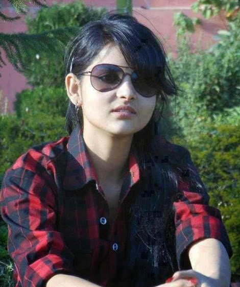 Stylish+Desi+Girls+Pictures+With+Sunglasses003