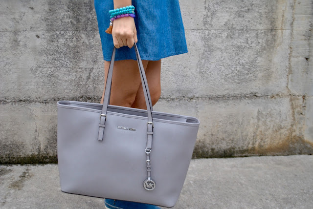 borsa modello shopper michael kors borsa grigia come abbinare la borsa shopper borsa michael kors  mariafelicia magno fashion blogger colorblock by felym blog di moda blogger italiane di moda grey bag how to combine grey bag how to wear grey bag bracciali majique london oceanic jewelers michael kors grey bag