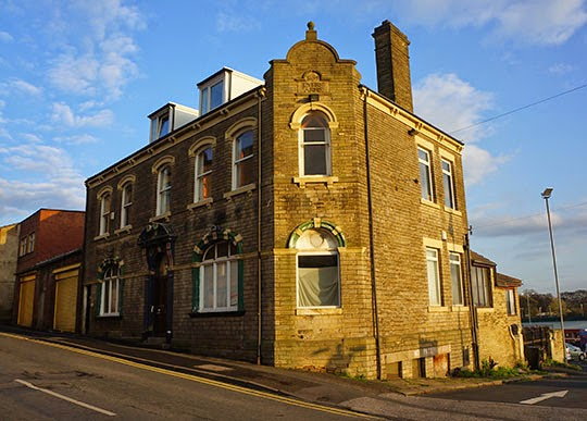 Black Tulip Pub, Dewsbury, Yorkshire, Photography, photo, Sam Freek,