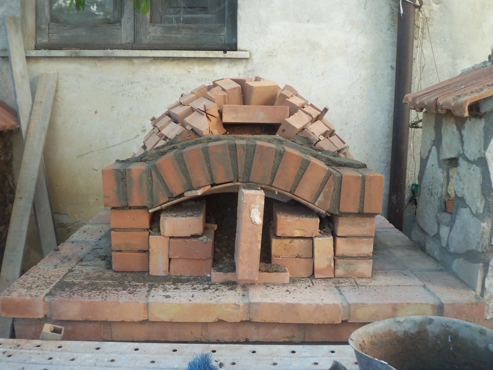 La cucina dello stregone costruzione fai da te per un for Forno a legna fai da te economico