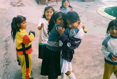 http://2.bp.blogspot.com/-iuqF0QqvD3Q/UD-0VkGUcuI/AAAAAAAAHN0/UAkwrE8nkLw/s1600/800px-Children_in_San_Pedro_Prison.jpg