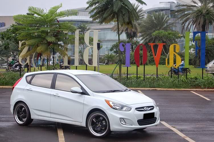 Modifikasi Mobil Hyundai Grand Avega Putih